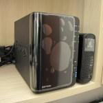 O Synology America DiskStation 2-Bay Diskless Network Attached Storage (DS214play) em funcionamento