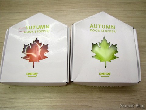 Para-Portas Estilo Folha de Maple Laranja (Maple Leaf Style Door Stopper Guard - Orange) e Para-Portas Estilo Folha de Maple Verde (YSDX-382 Maple Leaf Style EVA Door Stopper - Green), em suas respectivas embalagens