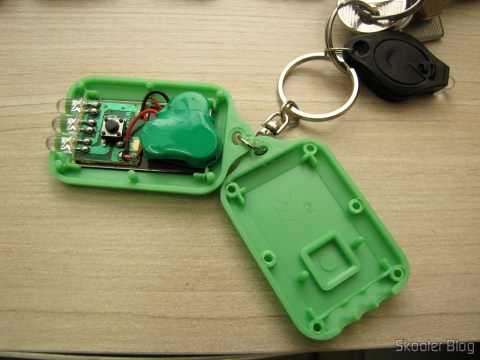 Inside one of the 10 Keychain with Mini Flashlight with 3 LED Solar Light as Recarregável