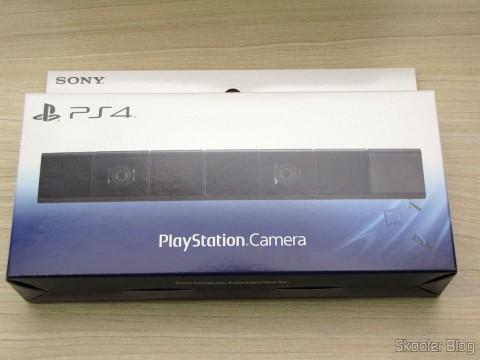 Câmera do Playstation 4 (Playstation 4 Camera) em sua embalagem