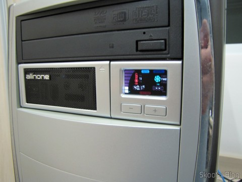 "Front panel Multifunctional Akasa AK-ALL-02SL All-in-One 2 to 5.25 bays"" Installed silver"