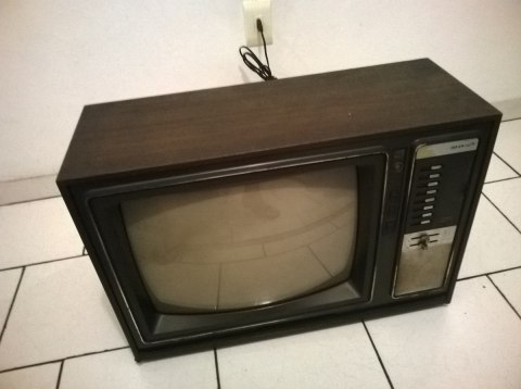 TV Sharp anos 70/80