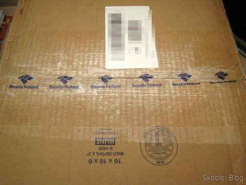Pacote com o Sega Genesis, liberado sem tributação, mas com abertura da caixa pela Receita Federal