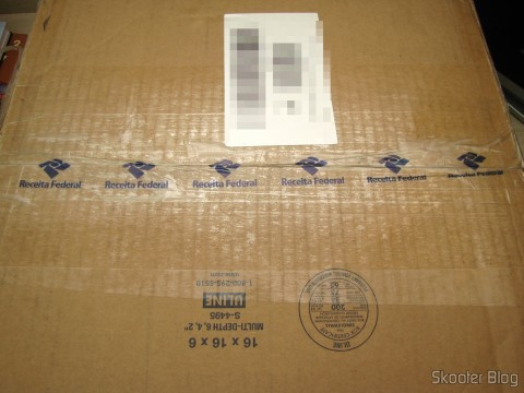 Package with the Sega Genesis, released without taxation, but with opening of the case by the IRS