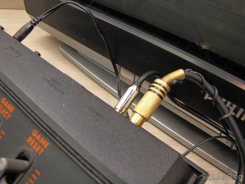 O Atari VCS/2600 com S-Vídeo, Vídeo Composto, Áudio Estéreo e Pausa pronto para funcionar
