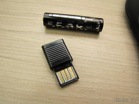 Receptor USB do Apresentador Sem Fio USB RF com Apontador Laser para PC/Laptop (USB RF Wireless Presenter with Laser Pointer for PC/Laptop – Black (10-Meter Range))