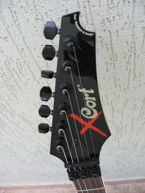 Guitar Cort X-11: headstock