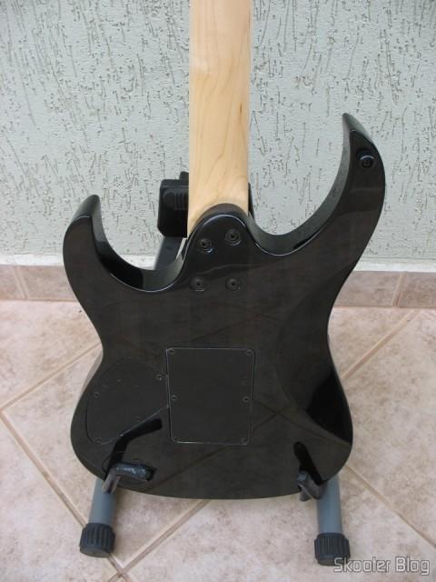 Guitarra Cort X-11: parte traseira do corpo