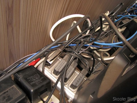 Cabo SCART RGB para Mega Drive 1 / Sega Genesis 1 / Mega Drive 2 Tec Toy com Áudio Stereo (Pack-a-Punched!) conectado ao Switch SCART