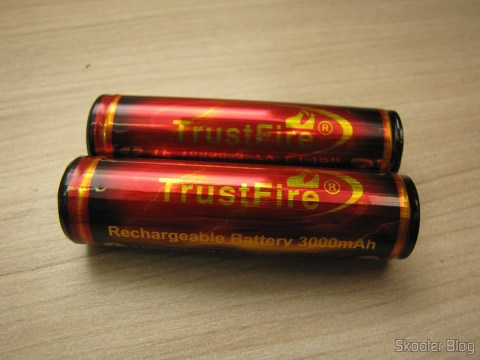 "Rechargeable Lithium-Ion Batteries 18650 TrustFire Protegidas 3.7V ""3000mAh"" (TrustFire Protected 18650 3.7V ""3000mAh"" Rechargeable Li-ion Batteries (Pair))"