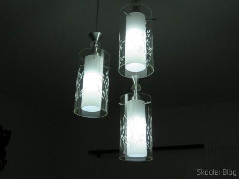 Lâmpada LED XYT 10W SMD 42×5630 Branca 6500K 1000 lúmens E27 85~265V AC, em funcionamento