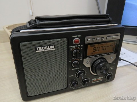 Radio Tecsun BCL-3000 with Analog Tuner and Digital Display AM / FM / SW World, operation
