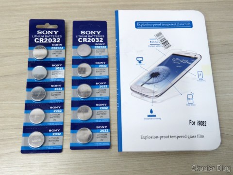 2 Cards with 5 CR2032 3V button batteries and film Protective Frosted Glass Screen for Samsung Galaxy Grand Duos