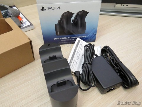 Official Sony PS4 Dualshock 4 Charging Station Dock charger NEW U.S. Plug e acessórios