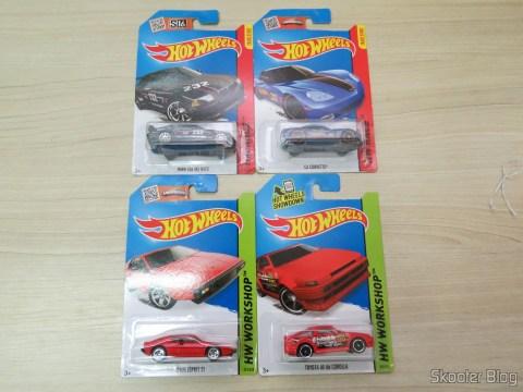 BMW E36 M3 Race, C6 Corvette, Lotus Esprit S1 e Toyota AE-86 Corolla, em suas embalagens