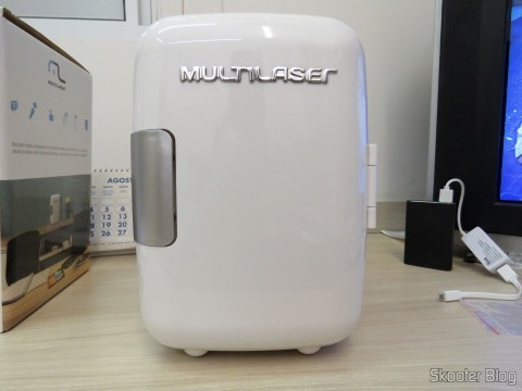 Mini Fridge Portable 12V or 110V with 4 Liter, Heats and Cools function - Multilaser