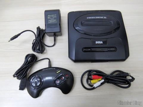 Mega Drive III da Tec Toy, with its power supply, joystick original e cabo A/V adquirido à parte