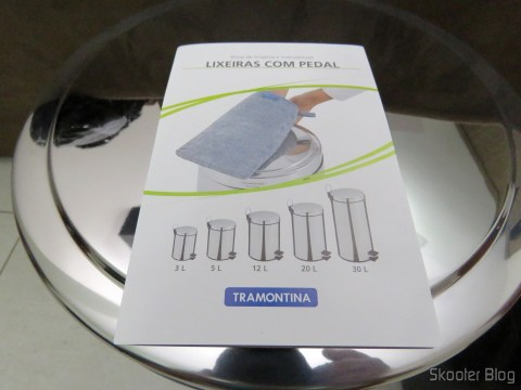 Brochure accompanying the Inox Recycle Bin with Pedal and Removable Bucket 12 Tramontina liters