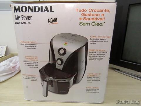 Fritadeira Elétrica Mondial Air Fryer Preto, em sua embalagem