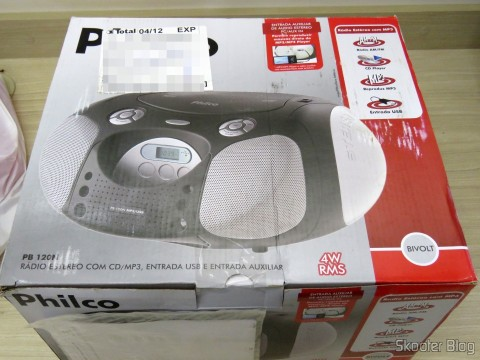 Philco Portable Radio PB120N, AM / FM, Plays CD / CD-R / RW / MP3 and WMA, USB Input