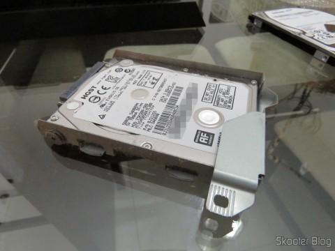 Gaveta de HD do Playstation 4 com o HD original
