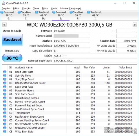 Informações do HD Western Digital WD Green 3.0TB WD30EZRX obtidas com o CrystalDiskInfo