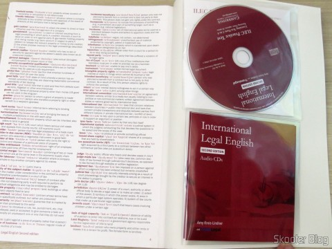 CDs acompnham the book International Legal English Student's Book with Audio Cd (3): A Course for Classroom or Self-study Use