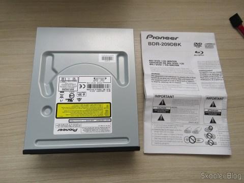 Gravador Blu-ray Pionner BDR 209-DBK e manual de instruções