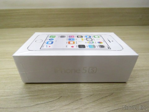 """iPhone 5S 32GB Prata Tela 4"""" IOS 8 4G Câmera 8MP, em sua embalagem"""