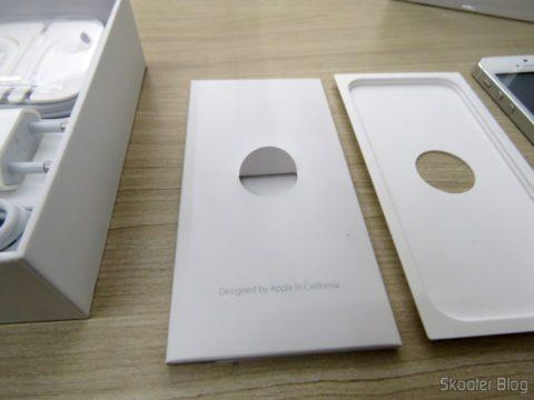 """Embalagem do iPhone 5S 32GB Prata Tela 4"""" IOS 8 4G Câmera 8MP"""