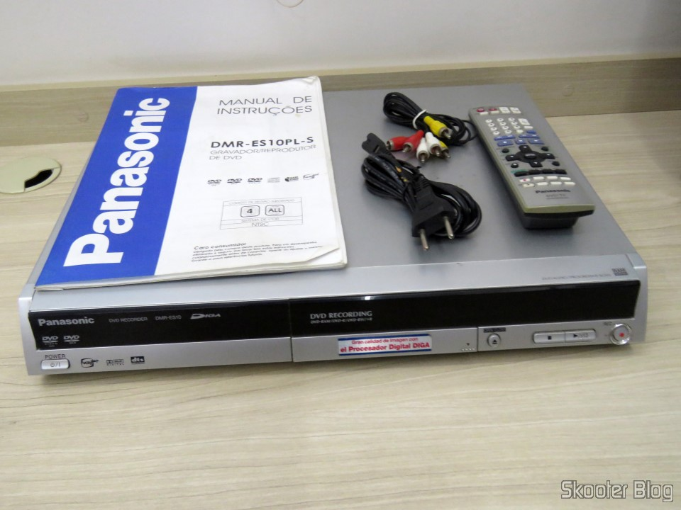 DVD recorder Panasonic DMR-ES10 table as TBC