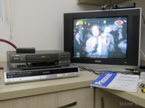 Gradient GSV-860HF VCR VHS tape playing and using DVD recorder Panasonic DMR-ES10 table as TBC