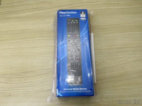 PlayStation 4 Universal Media Remote, on its packaging