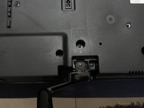 """Montando a Smart TV Panasonic Viera 40"""" - TC-40DS600B"""