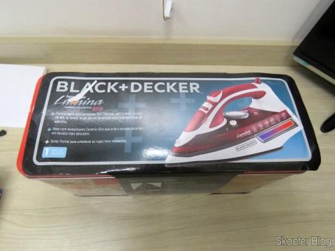 Ferro a Vapor Black & Decker AJ3000V com Ceramic Gliss, em sua embalagem