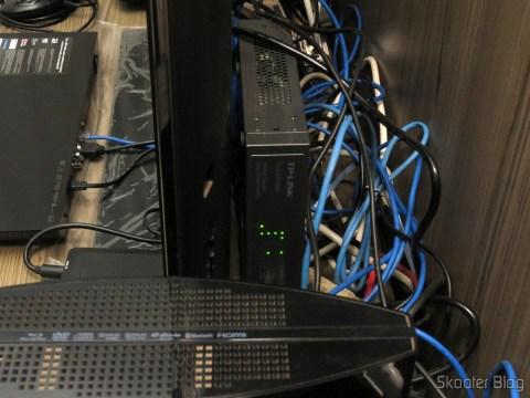Easy Smart Gigabit switch 16 Doors TP-Link TL-SG1016DE, installed