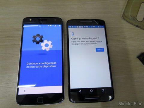 Moto Z Play, ao lado do Moto X Play, transferindo configurações