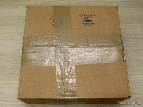 Caixa com o Carolina Herrera Gift Set - 3.4 oz EDP Spray + 6.7 oz Body Lotion (In)