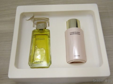 Carolina Herrera Gift Set - 3.4 oz EDP Spray + 6.7 oz Body Lotion (In)