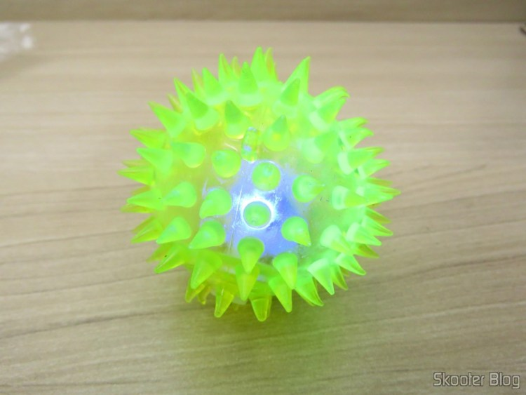 Rubber ball for dogs and Cats with whistle and LEDs