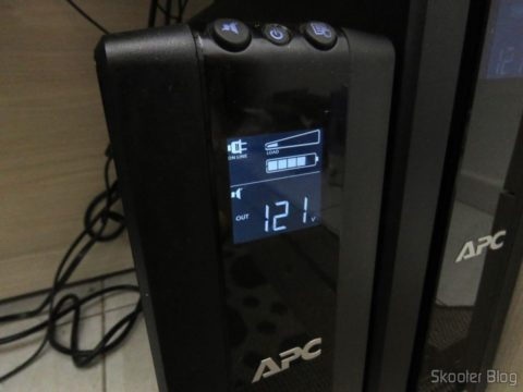 Ups APC UPS Backup Pro 1000, with the batteries CSB HR 1234W F2 12VDC 9Ah 34W long life 8 years