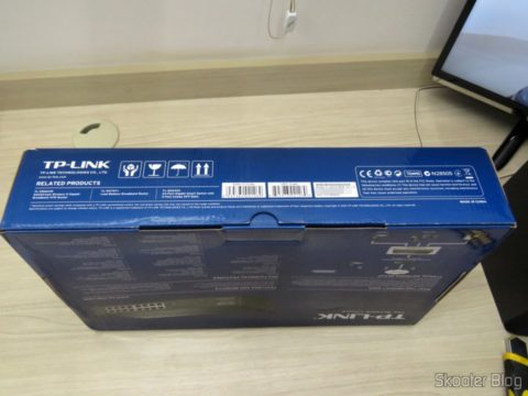 2º Easy Smart Gigabit Switch 16 Doors TP-Link TL-SG1016DE, on its packaging