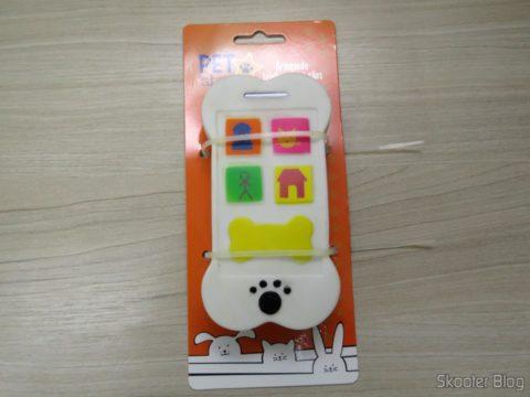 Telefone Celular para Cães, em sua embalagem