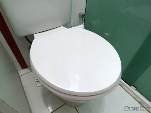 Assento Sanitário Poliéster para Louça Celite Azaléa, da marca Sedile, installed