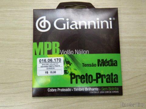 Encordoamento Giannini MPB Violão Náilon Tensão Média Preto-Prata, em sua embalagem