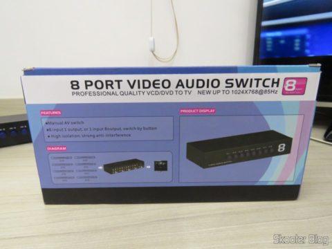 Switch de Vídeo Composto + Audio Estéreo (3 RCA) com 8 entradas e 1 saída, em sua embalagem