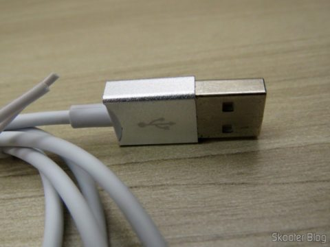 USB cable and load Data Vention for iPhone