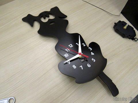 Relógio após a instalação da Máquina de Relógio com Pêndulo Dourado - Eixo 17