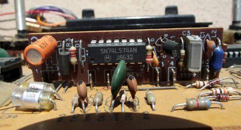 Placa de PAL-M no Atari 2600 com placa da Polyvox