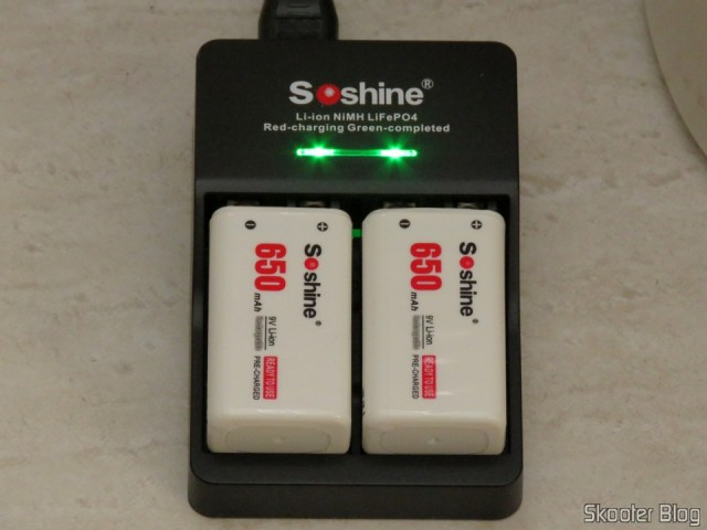 3ND and 4th Batteries Soshin 9V 6F22 650mAh Li-ion Rechargeable + 2° Smart charger with LED, operation. Fully charged batteries.